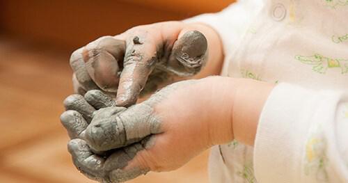 Matinée Parents-Enfants :Venez découvrir une alternative douce et naturelle aux activités de peinture à la gouache.